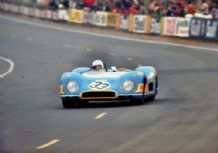 MATRA MS650 LE MANS 1969 at Dunlop Curve.